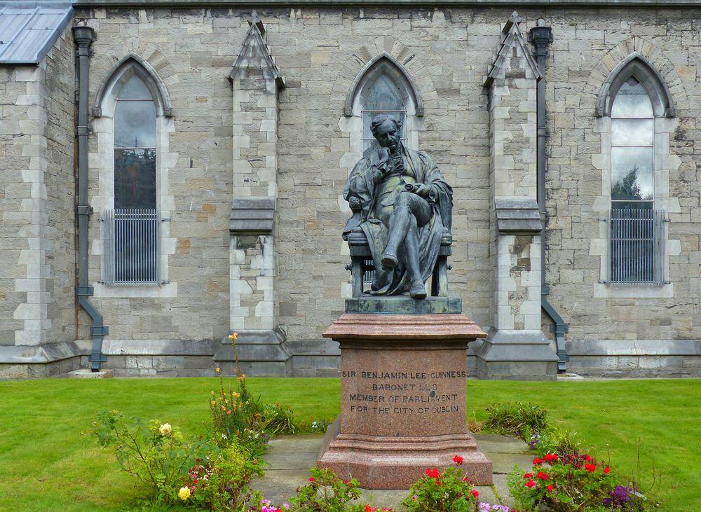 11-vor-St-Patricks-Cathedra