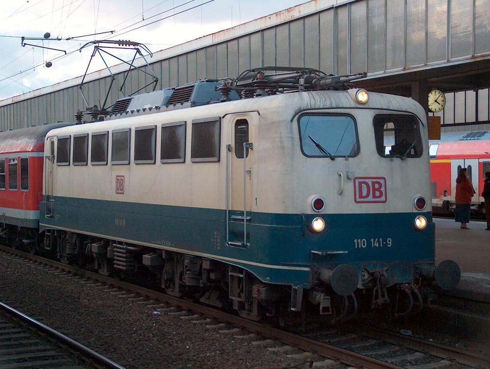 110 141 im Essener Hbf Anno MMIV