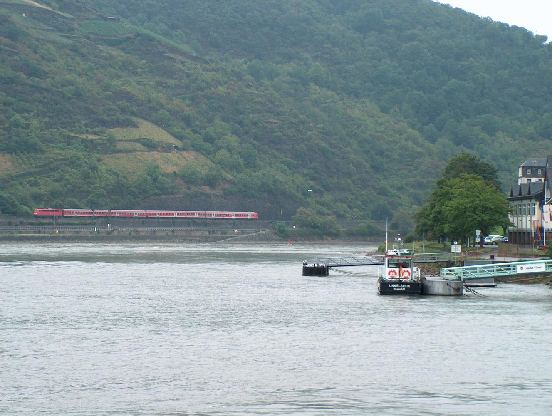 110er Ganitur am Rhein...