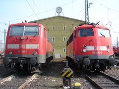 111 007 und 110 440 im Bw Frankfurt