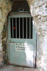 ..11è siècle, entrée de la Chapelle St-Grégoire..
