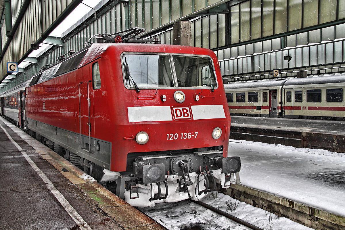 120 136-7 Stuttgart Hbf