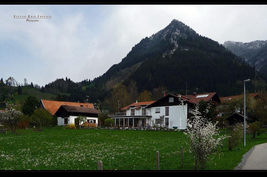 """""""13.04.2011, 13:15 Uhr, 2Grad, leichter Schneefall* bei Burgberg"""""""