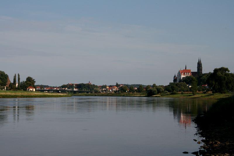14.08.07 ... Meissen ... die Elbe (nach 5 Jahren) ruhig und still ...