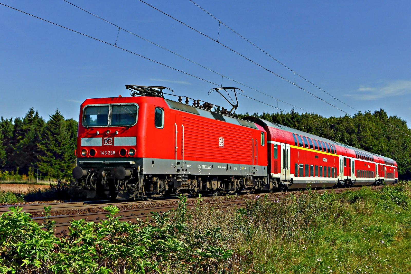 143 238 als RB75 nach Wiesbaden