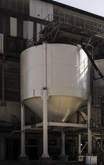 16/32 gravel silo