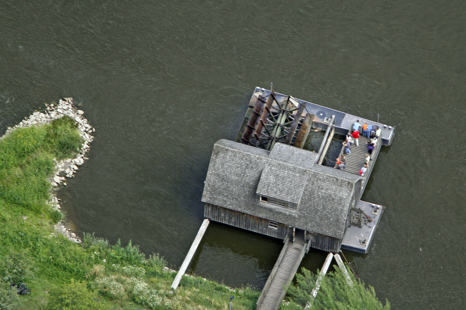 18. Deutscher Mühlentag: Schiffsmühle auf der Weser bei Minden