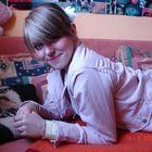 18 Jahr, blondes Haar...