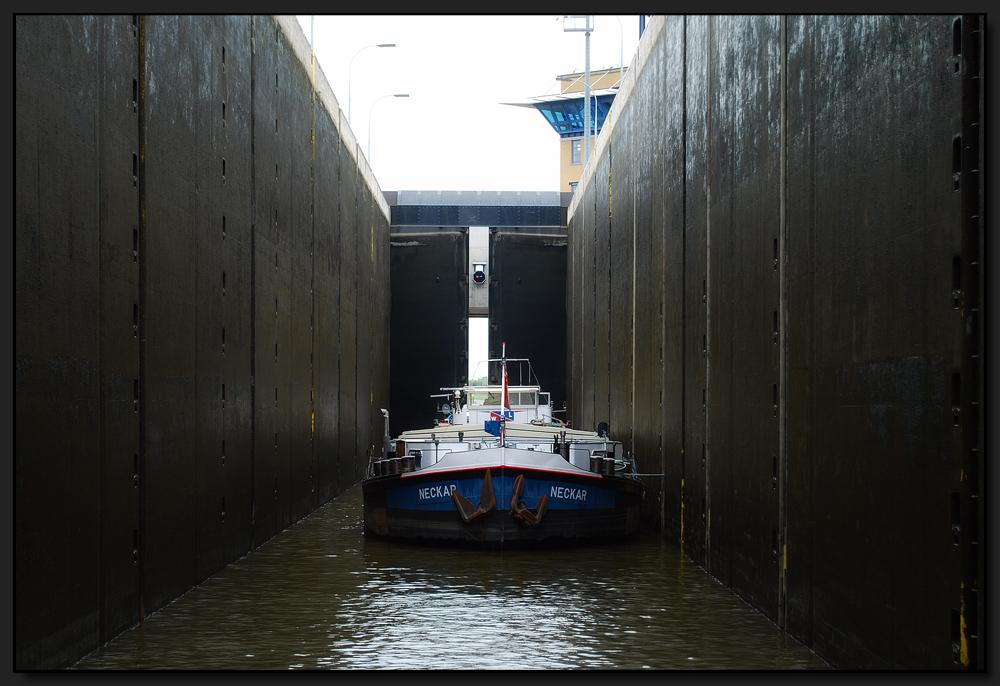 ...18 Meter tief...
