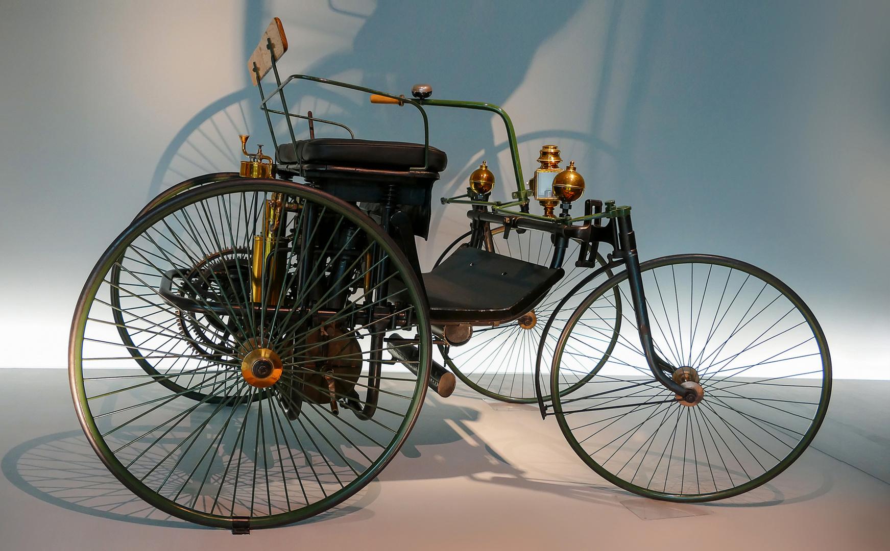 "1889 Daimler Motor-Quadricycle ""Stahlradwagen"""