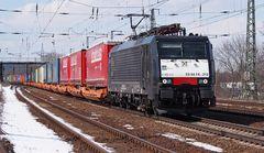 189 212-4 mit Güterzug