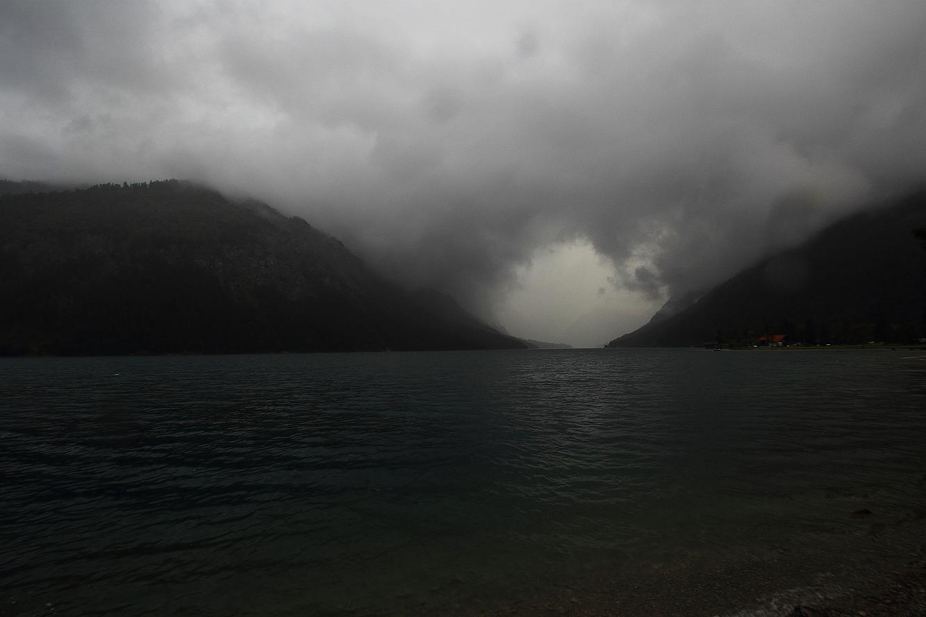 19 Uhr 39 - kurz vor dem Gewitter; 23.07.2016 - am Plansee