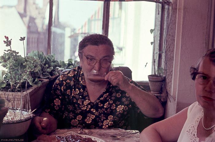 1956: john mc enroes schwere stunde: teekränzchen bei der schwiegermutter