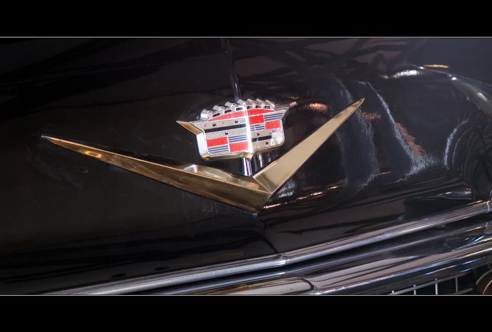 1957er Cadilla Eldorado Seville, Emblem auf der Motorhaube