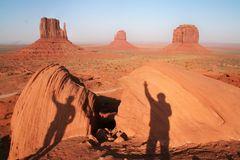 2 Cowboys im Monument Valley Ca-2009-col +Fotos +Link