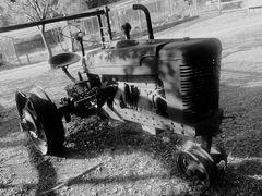 (2) Drei alte Traktoren in  Südafrika ...