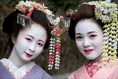 2-Geishas
