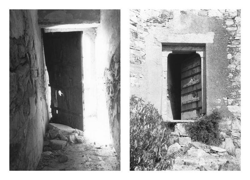 2 Gesichter einer Tür