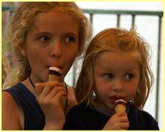 2 junge Damen