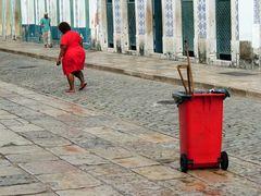 2 rote Tonnen in Sao Luis