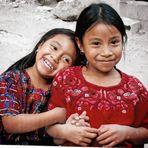 2 soeurs au bord du lac Atitlan
