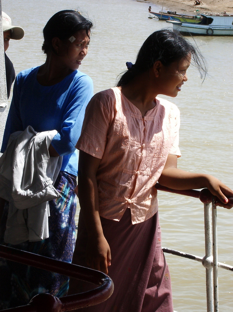 2 young girls on the boat at Ayeyarwady river