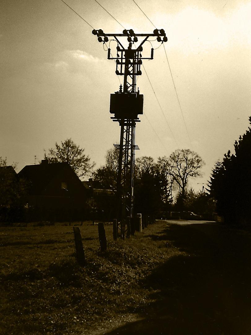 20 Kv-Leitungsmast mit Trafo II