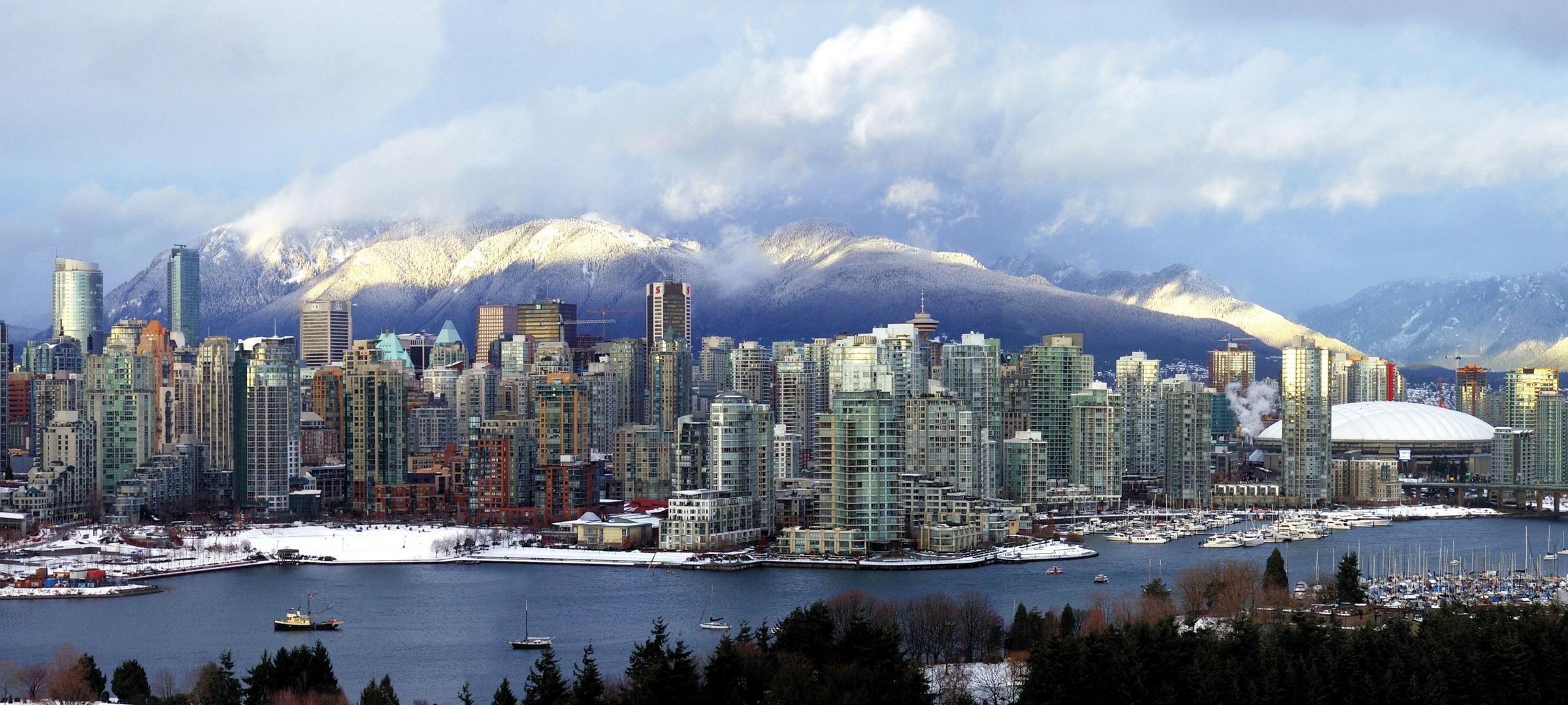 2009 Vancouver skyline panorama