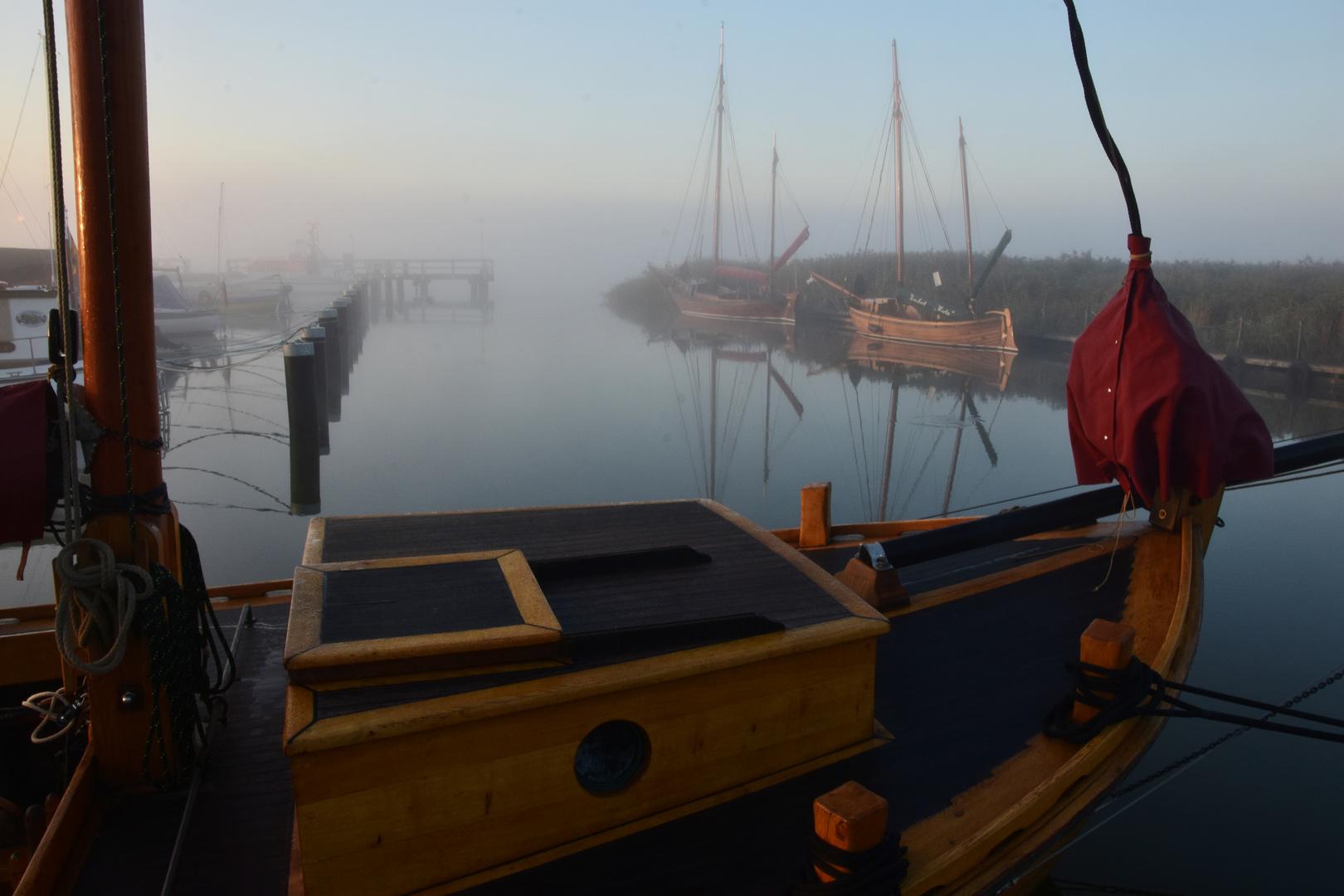 200921 - Zeesboote im Hafen