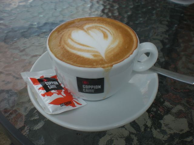 2010. H-BUDAPEST WITH CAFFE