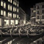 2020 11. Venedig  Die Gondeln stehen still