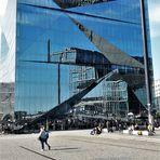 20211008  Spiegeltag : Berlin Cube bei Kaiserwetter