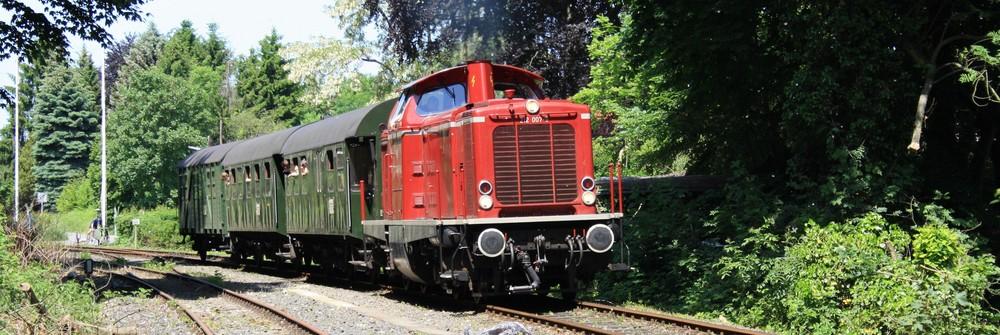 212 007 als Schienenbus Ersatz auf der Ruhrtalbahn