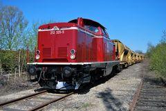 212 325-5 in Neuwied mit einem FC Zug