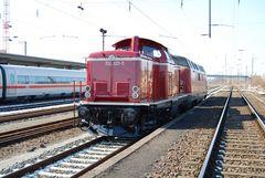 212 325 - 5 und 221 117 in Aschaffenburg