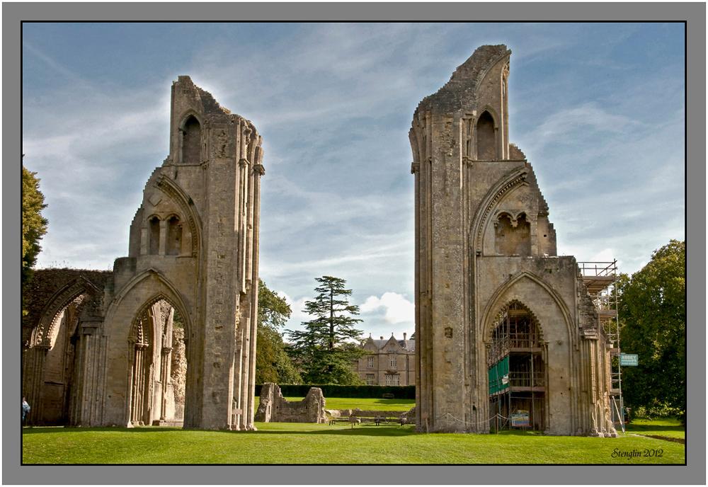 23-12 Cornwall(23) Glastonbury Abbey-1