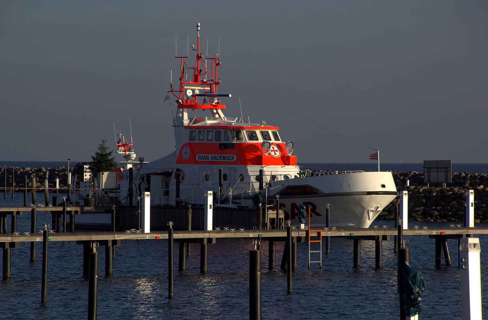 23,1-Meter-Seenotrettungskreuzer mit Tochterboot