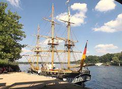 24 Tours du Pont in Potsdam - Maritime Gäste
