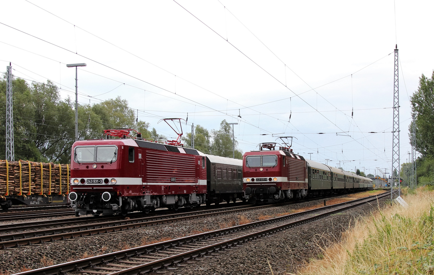 243 005 und 931 in Rostock-Bramow