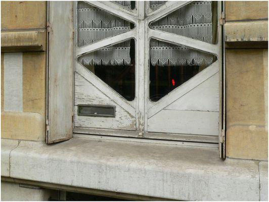 Fensterangeln und scharniere bilder fotos - Fenster scharniere kaputt ...
