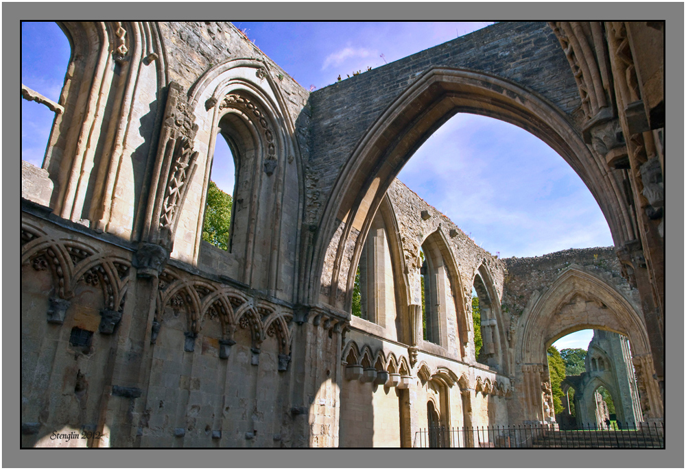 25-12 Cornwall(25) Glastonbury Abbey-3