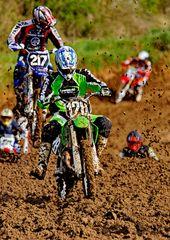 2514    motocross