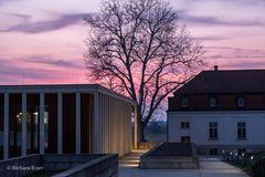 26-Moderne Architektur neben Spätbarock