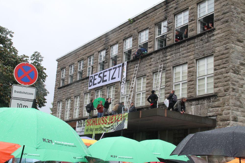 26.7: Stuttgart, der Abriss des HBFs droht .. - Besetzung K21