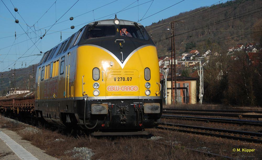 270.07 in Gemünden mit einem Bauzug 2008