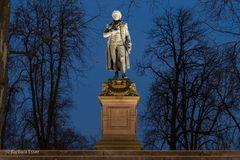 28-Friedrich-Schiller-Denkmal im Schillerpark