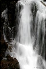 2Wasserfall bei Vas - Slovenien Apr 2005