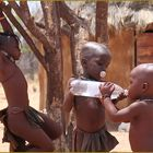 3 Kinder im Dorf ... in N.