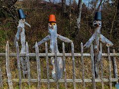 3 Wächter am Zaun