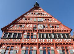 39-Die Rathaus-Fachwerkfassade im Weindorf Großbottwar